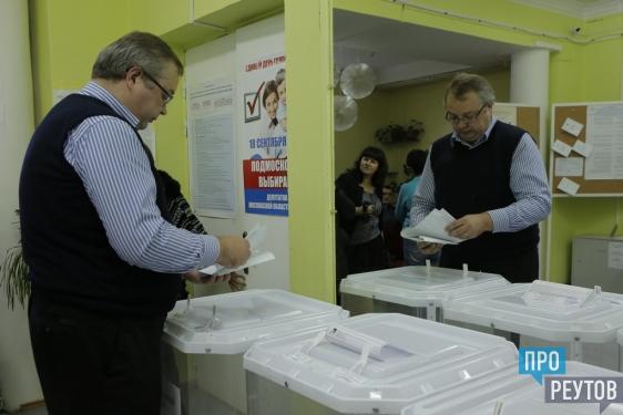 Антон Ермаков победил на выборах в Реутове. По данным ТИК, он набрал 48,8% голосов на довыборах в городской Совет депутатов. ПроРеутов