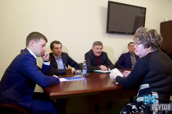 Строительные работы в ЖК «Новокосино-2» проконтролируют дольщики. Такое предложение выдвинул глава города Сергей Юров на личном приёме. ПроРеутов