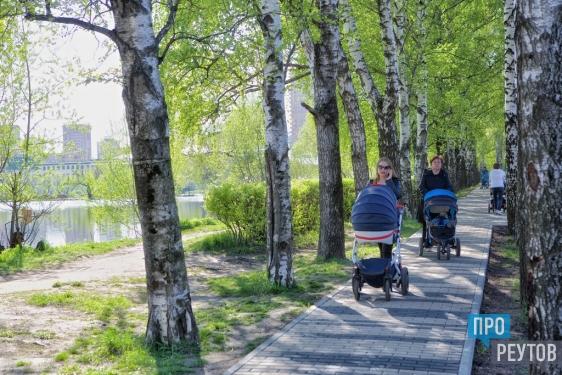 Входной сквер дополнит парк «Фабричный пруд» в Реутове. На входе в парк со стороны Парковой появится дополнительная зона отдыха со стелой и символом «НПО машиностроения». ПроРеутов