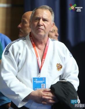 Ветеран дзюдо из Реутова стал серебряным призёром чемпионата Европы. Во время финальной схватки Михаила Илинича с итальянцем рефери дважды добавляли время. ПроРеутов