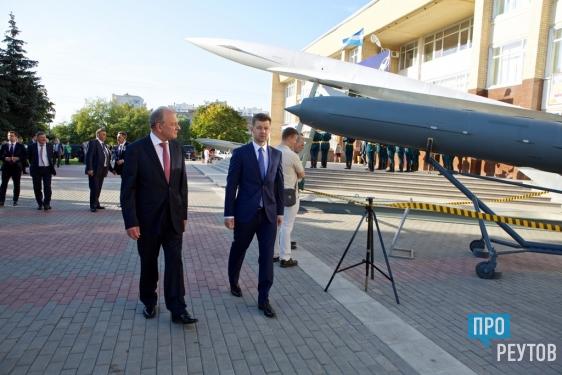 Выставка крылатых ракет открылась в Реутове/ Ознакомительную экскурсию для газеты «ПроРеутов» провёл главный ведущий конструктор «НПО машиностроения». ПроРеутов